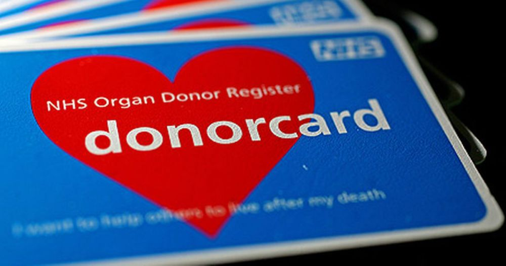 nhs-donor-card-pic-rex-480004380.jpg