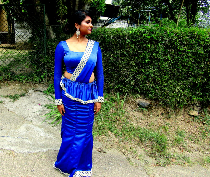 Kandyan-saree-osari-srilankan-sari-kandy-blue-osaria