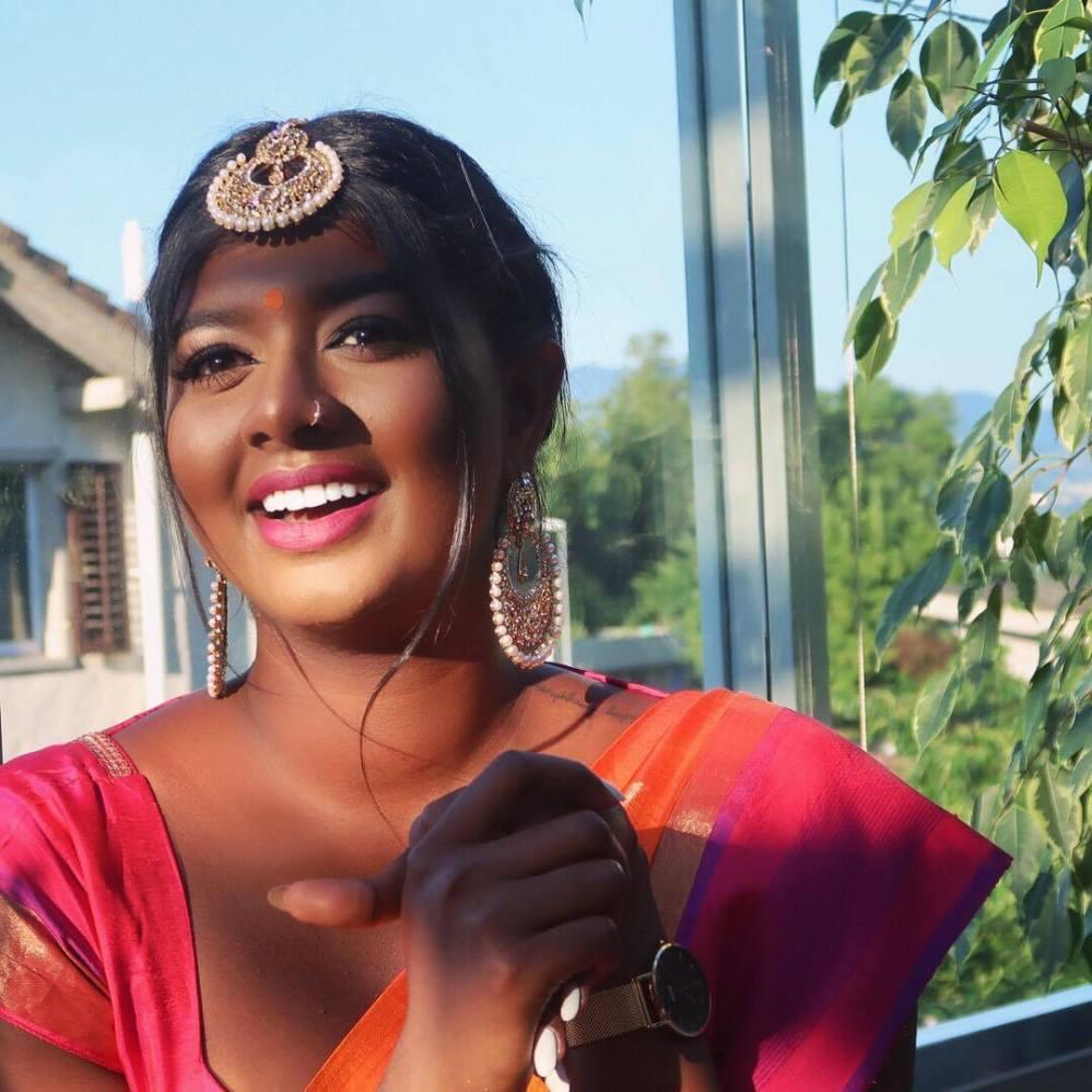 The Liya Reina- Gayanthi Hapuarachchi