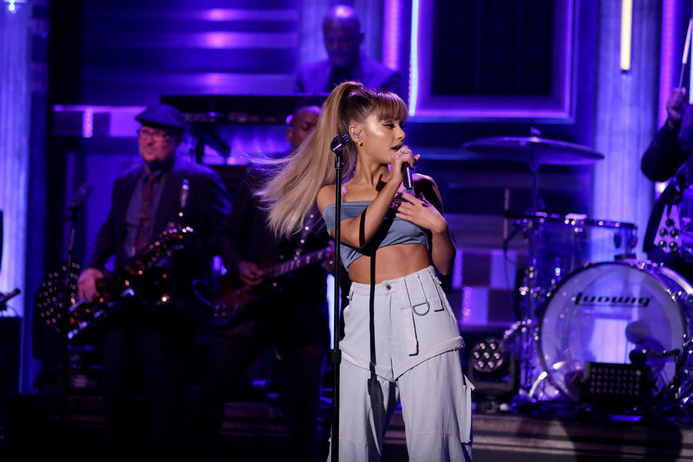 Ariana-Grande-Lookbook-2018