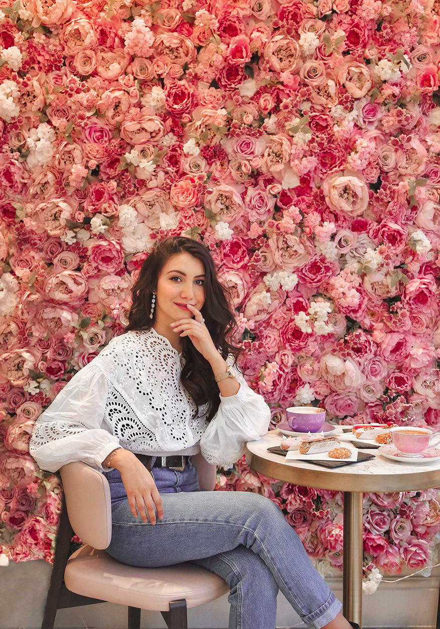 Anoushka-Probyn-UK-London-Fashion-Travel-Blogger-Instagram-Maitre-Choux-Kings-Road-Chelsea-Review-Guide-Eclairs-Photo-portrait