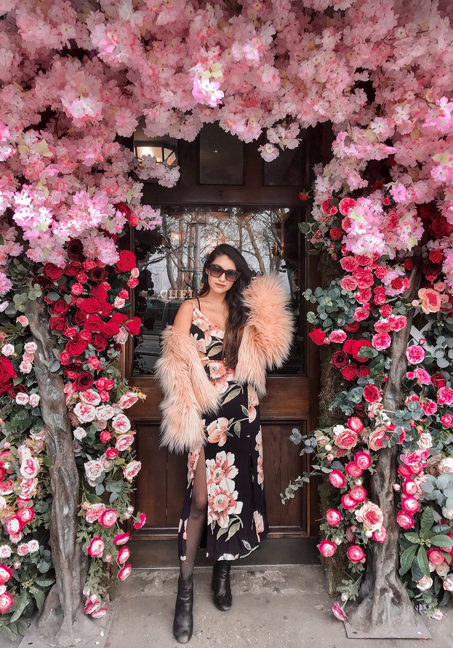 Anoushka-Probyn-UK-London-Fashion-Blogger-Chelsea-Kings-Road-Guide-The-Ivy-Garden-Instagram-Locations-Pastel-London-portrait.jpeg